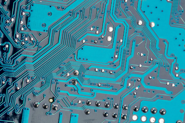Elektronik, auf einer FR4-Platte befestigt